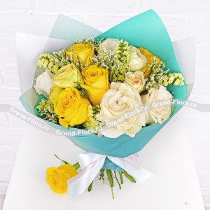 Tender sunset - bouquet of yellow and white roses